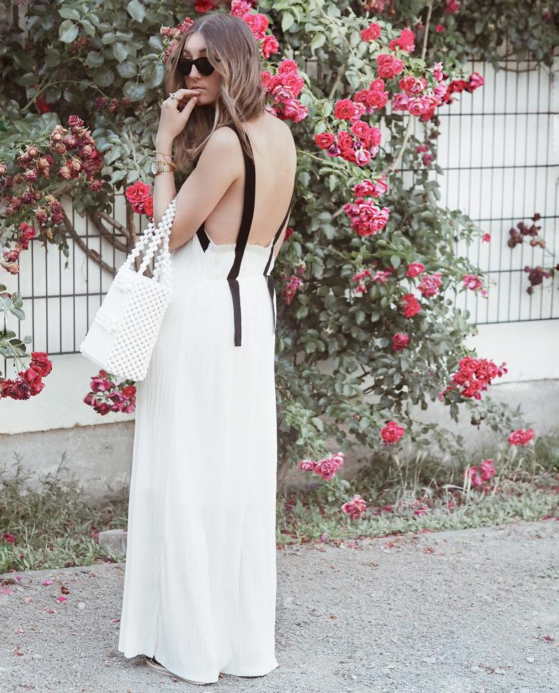 PINK ROSES & LONG WHITE DRESS